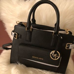 🆕 Authentic Michael Kors Georgia Satchel